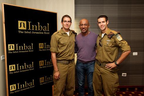 Montel Williams meets LoneSoldiers