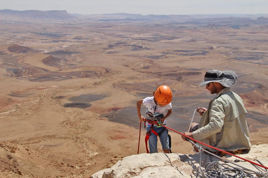 Ramon Crater rapelling